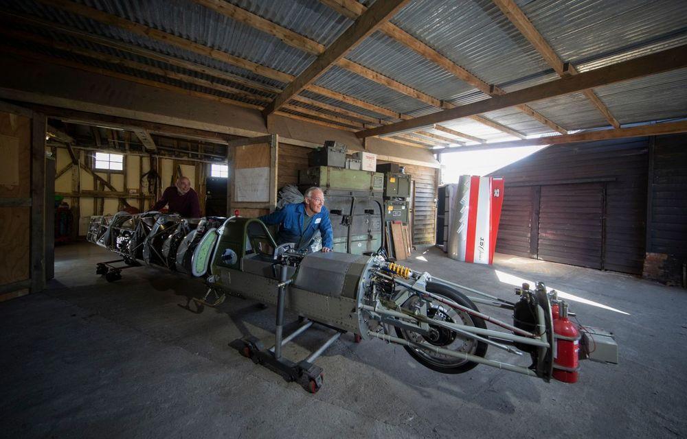Britanicii vor să atingă peste 640 km/h cu o motocicletă propulsată de un motor de elicopter - Poza 5