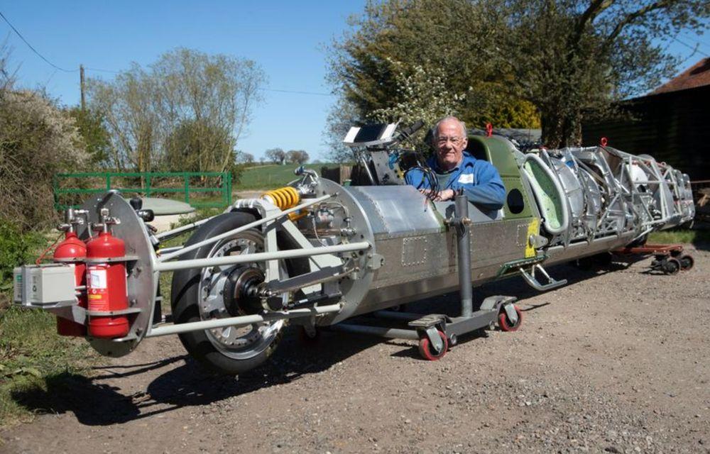 Britanicii vor să atingă peste 640 km/h cu o motocicletă propulsată de un motor de elicopter - Poza 3