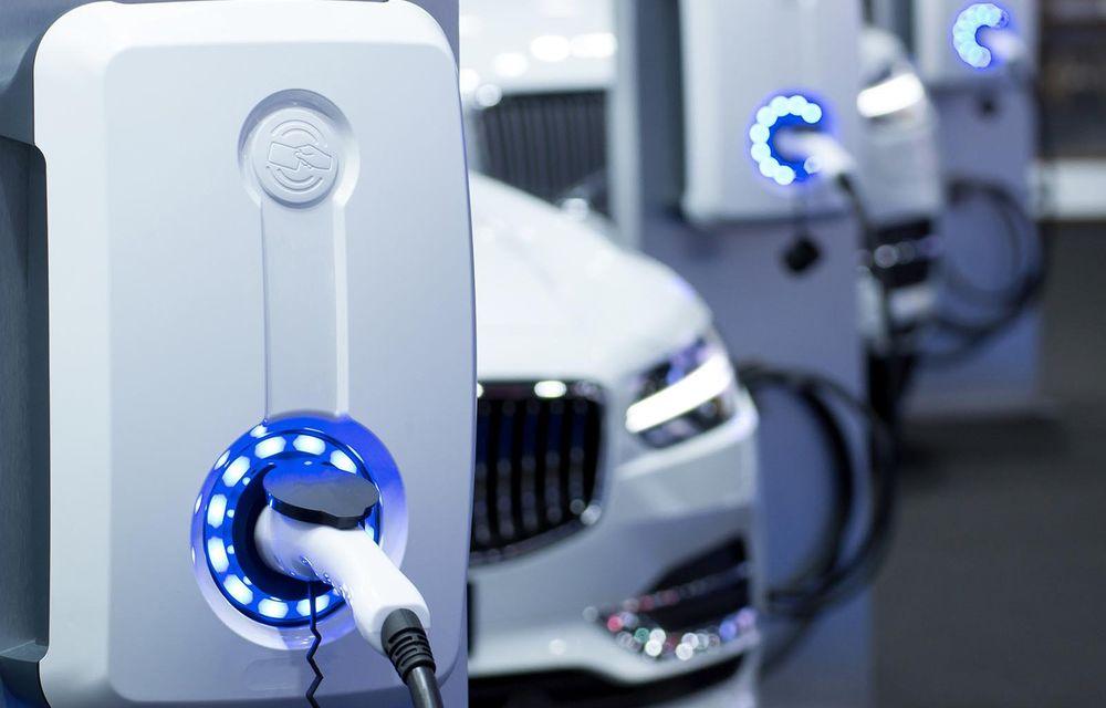 STUDIU: 19% dintre proprietarii de mașini electrificate s-au întors la un vehicul cu motor termic - Poza 1
