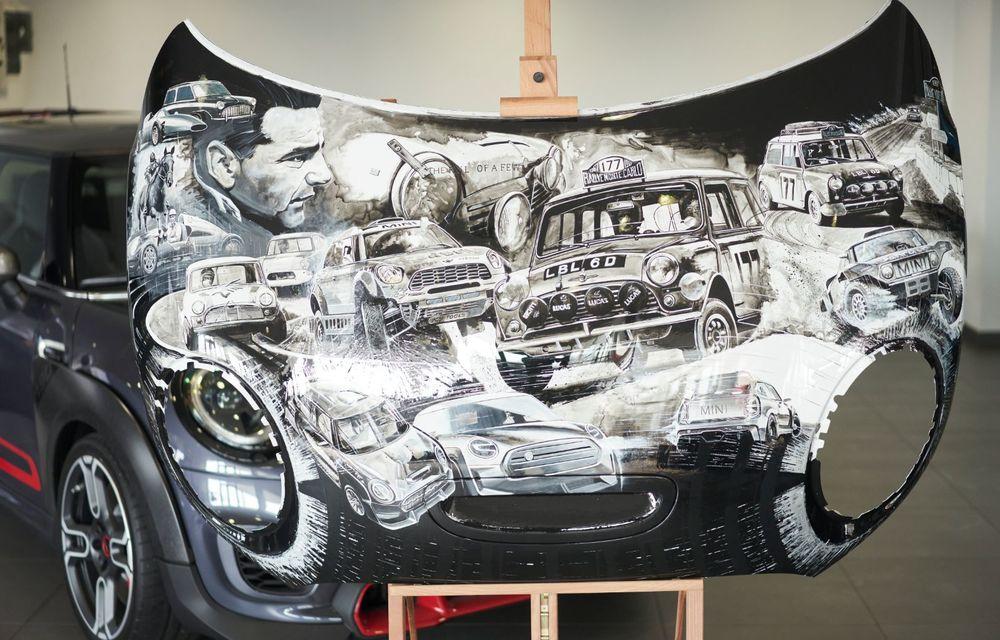 Mini facelift a debutat în România în compania unui proiect de artă, semnat de un pictor român - Poza 8