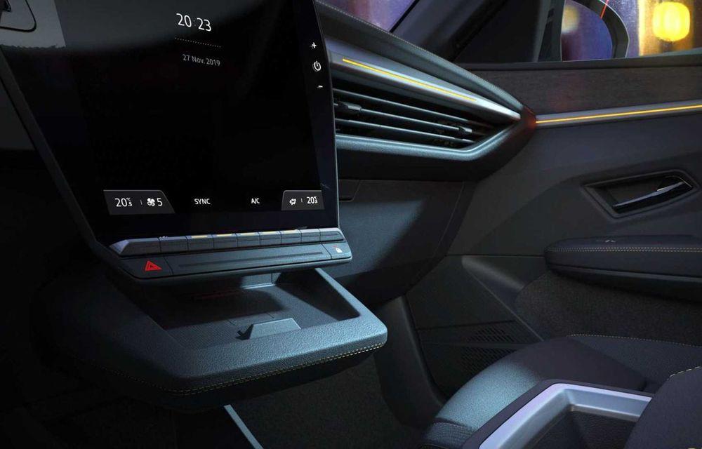 Primele imagini cu viitorul Renault Megane Electric: stopuri unite cu o bandă LED, ecran uriaș la interior - Poza 2