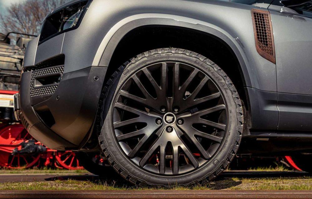 Accesorii ciudate pentru Land Rover Defender: bucăți de caroserie cu aspect ruginit - Poza 15
