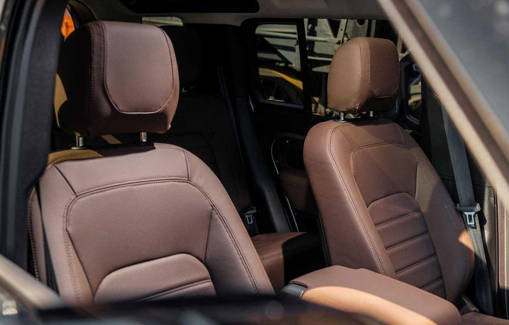 Accesorii ciudate pentru Land Rover Defender: bucăți de caroserie cu aspect ruginit - Poza 11