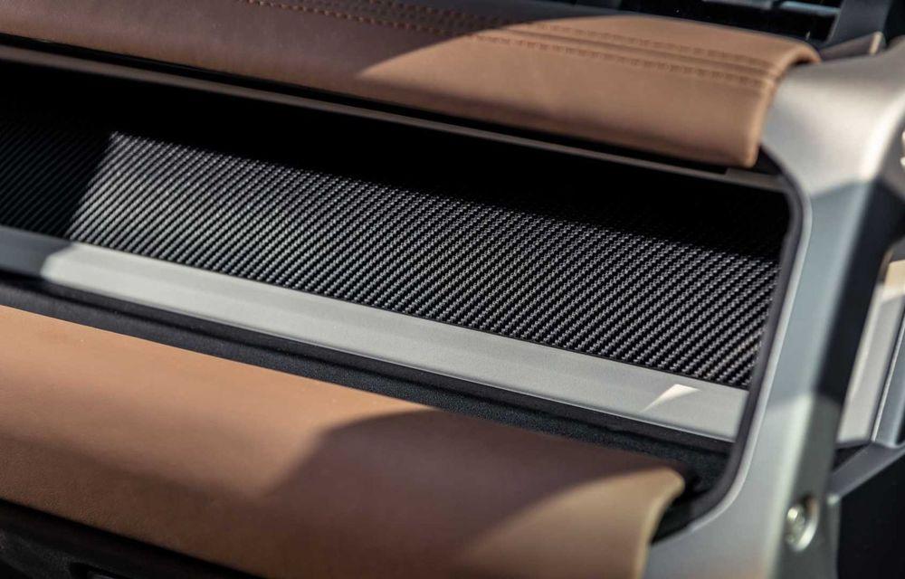 Accesorii ciudate pentru Land Rover Defender: bucăți de caroserie cu aspect ruginit - Poza 10