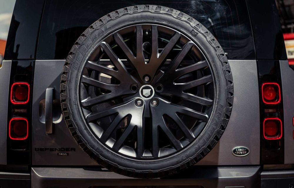 Accesorii ciudate pentru Land Rover Defender: bucăți de caroserie cu aspect ruginit - Poza 16