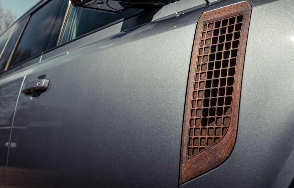 Accesorii ciudate pentru Land Rover Defender: bucăți de caroserie cu aspect ruginit - Poza 14