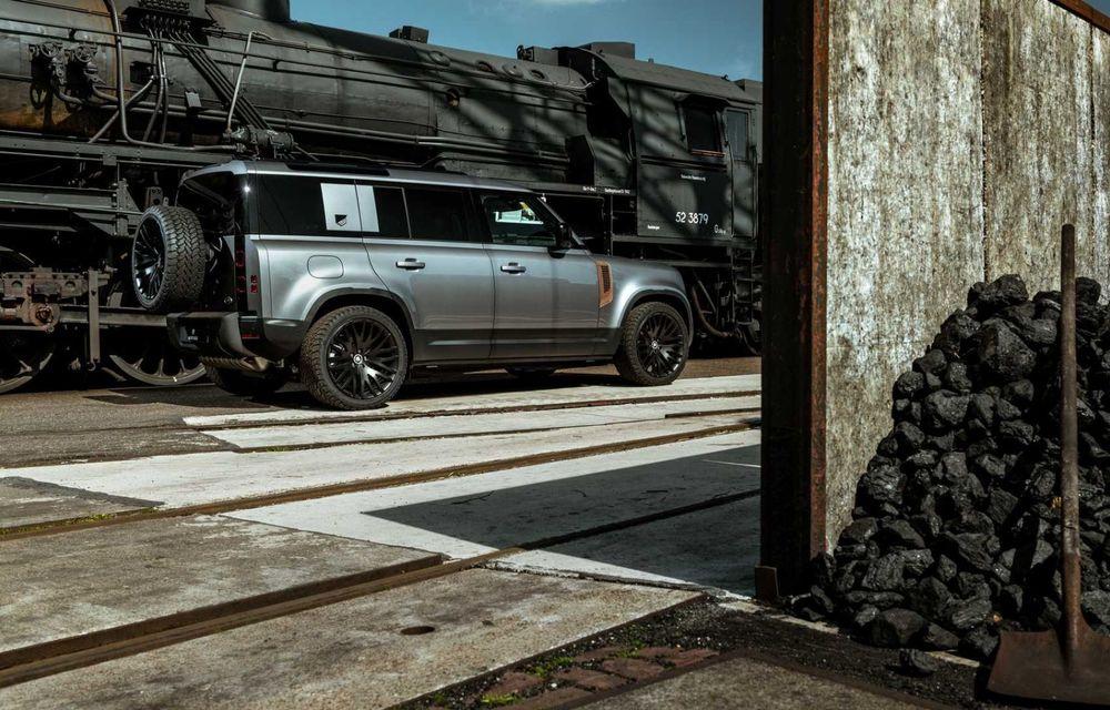Accesorii ciudate pentru Land Rover Defender: bucăți de caroserie cu aspect ruginit - Poza 4