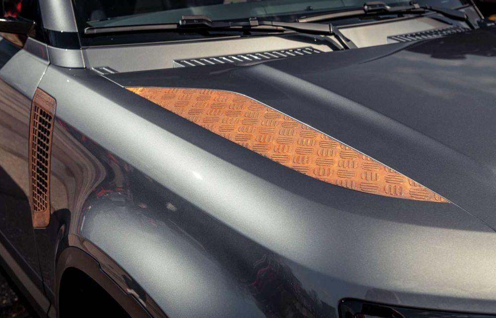 Accesorii ciudate pentru Land Rover Defender: bucăți de caroserie cu aspect ruginit - Poza 12