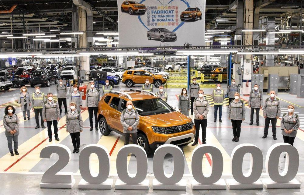 Dacia a produs exemplarul Duster cu numărul 2.000.000 la Mioveni - Poza 1