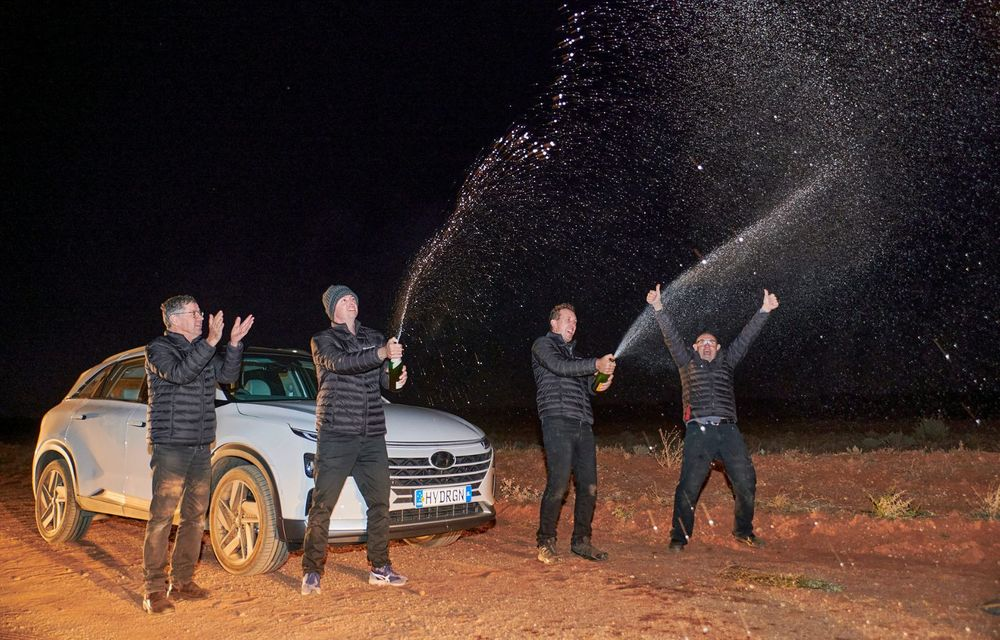 Record mondial: Hyundai Nexo a parcurs 887 de kilometri cu un singur plin de hidrogen - Poza 8