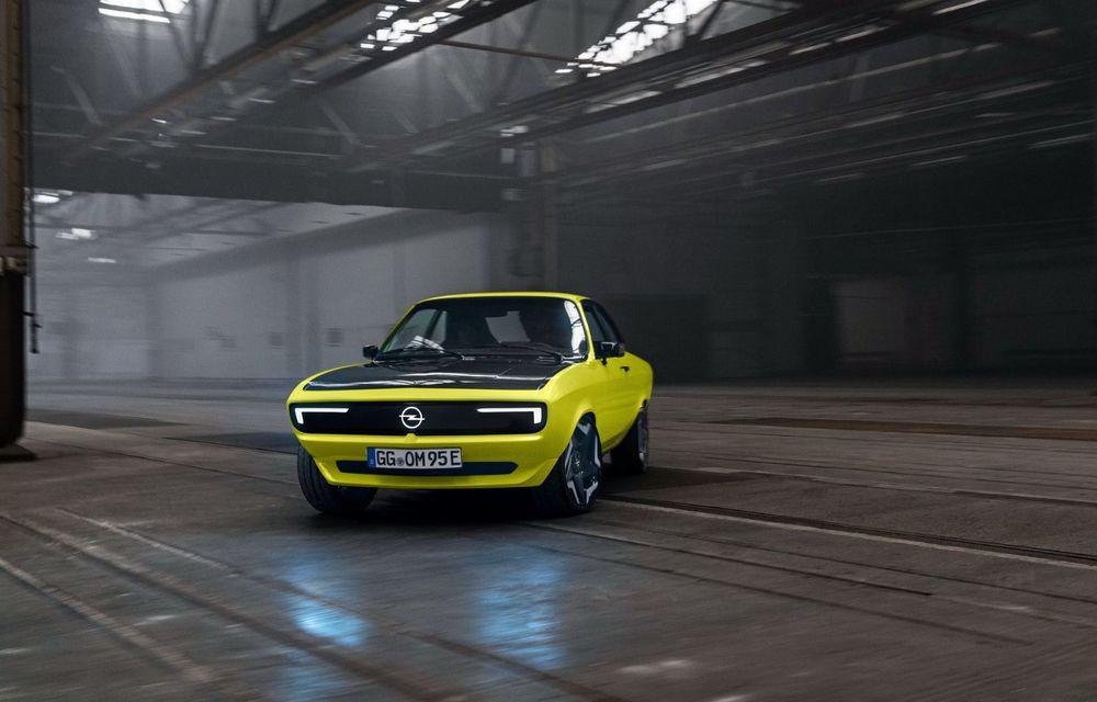 Opel Manta GSe ElektroMod: concept electric cu design retro, 200 km autonomie și transmisie manuală - Poza 6