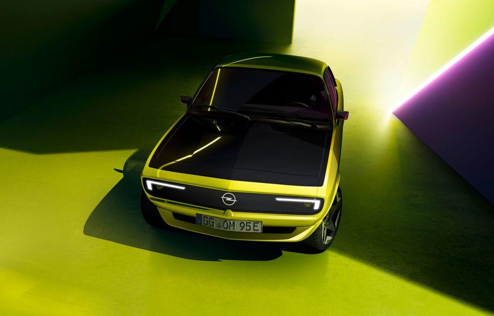 Opel Manta GSe ElektroMod: concept electric cu design retro, 200 km autonomie și transmisie manuală - Poza 4