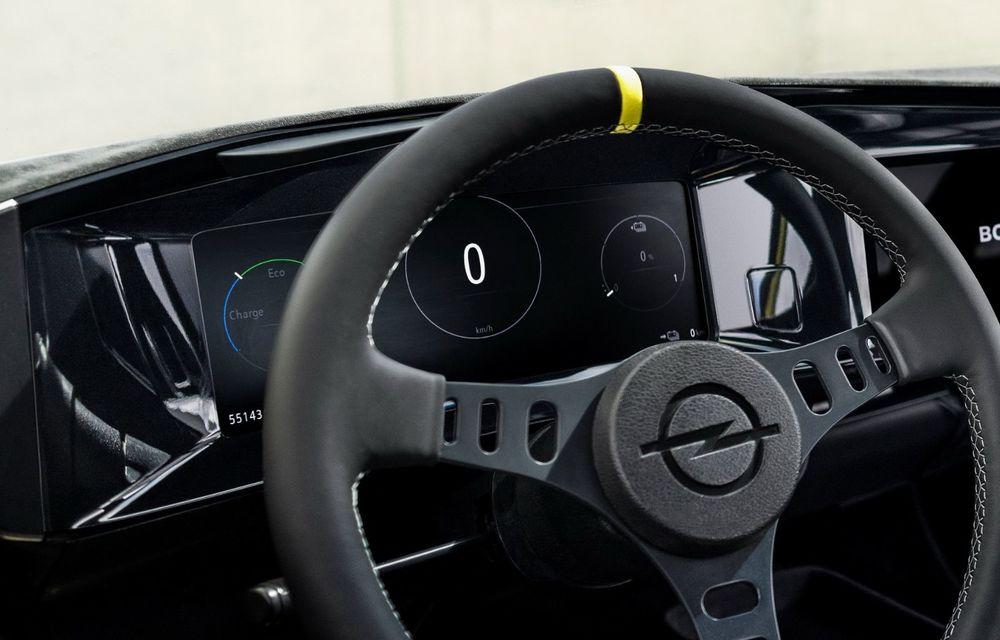 Opel Manta GSe ElektroMod: concept electric cu design retro, 200 km autonomie și transmisie manuală - Poza 8