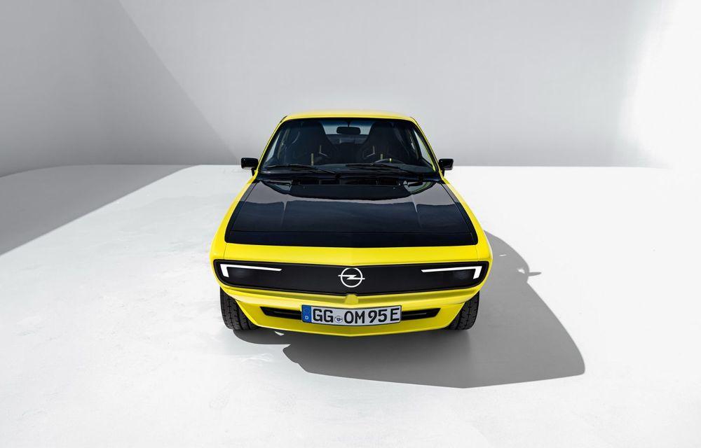 Opel Manta GSe ElektroMod: concept electric cu design retro, 200 km autonomie și transmisie manuală - Poza 5