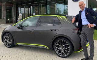 Hot hatch electric: Volkswagen ID.X debutează cu 333 de cai putere și buton de Drift