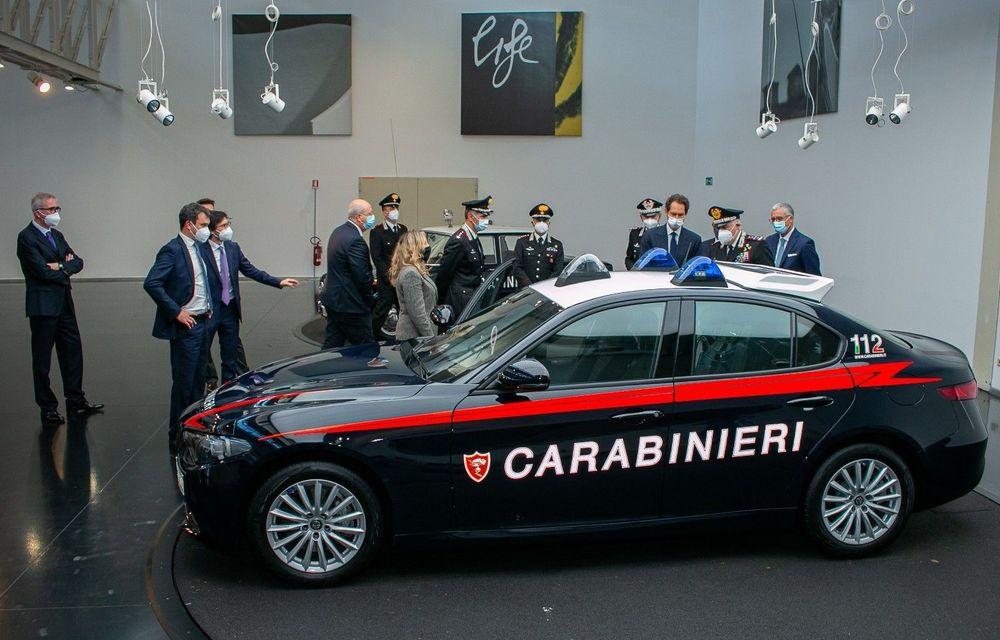 Italia: Alfa Romeo va livra 1.770 de exemplare Giulia către Carabinieri - Poza 2