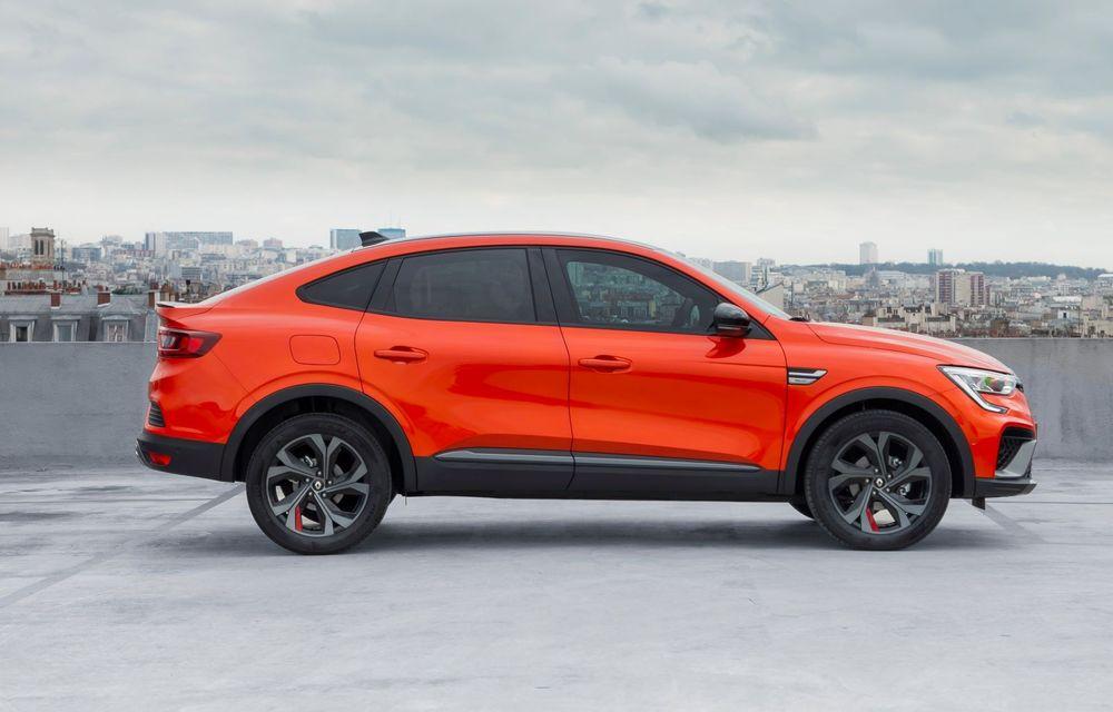 """Mașinile din """"Aventour la feminin"""" by Textar: Renault Arkana, un SUV coupe cu rol de pionier în segmentul său - Poza 5"""