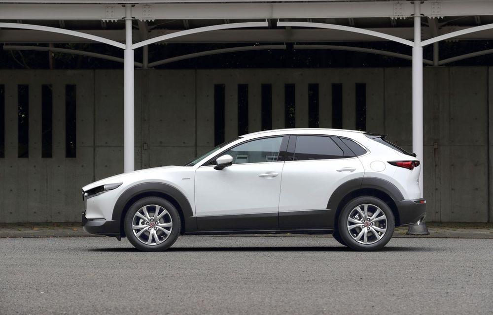 """Mașinile din """"Aventour la feminin"""": Mazda CX-30 ediție aniversară, un SUV pentru 100 de ani de precizie japoneză - Poza 4"""