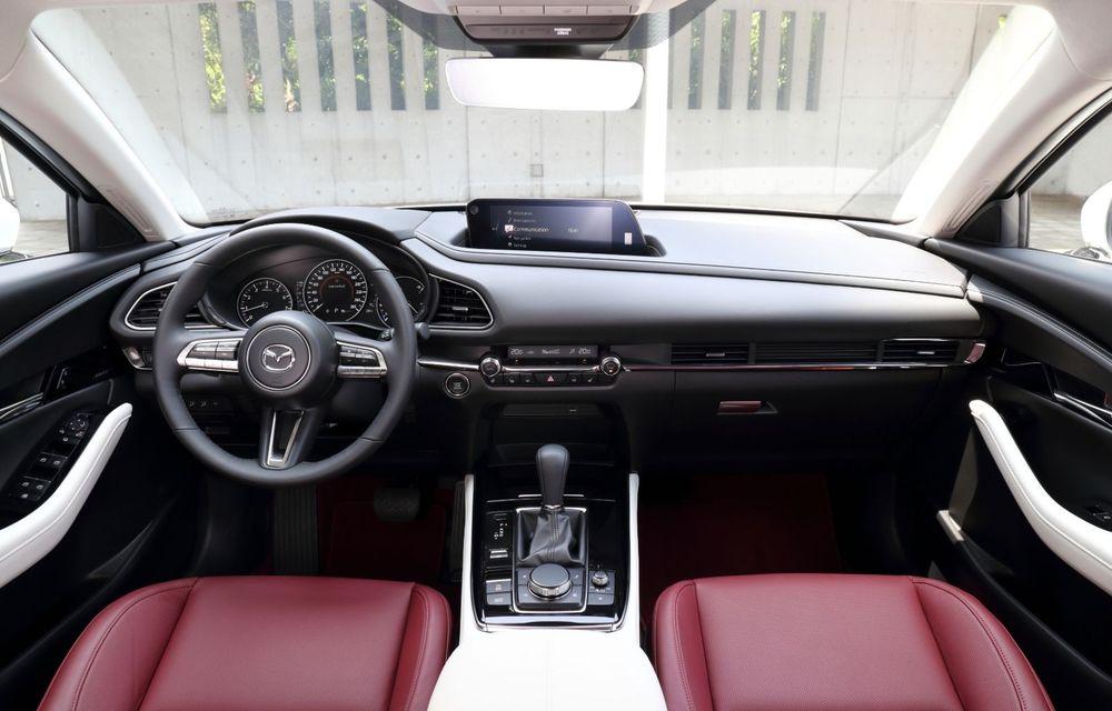 """Mașinile din """"Aventour la feminin"""": Mazda CX-30 ediție aniversară, un SUV pentru 100 de ani de precizie japoneză - Poza 13"""