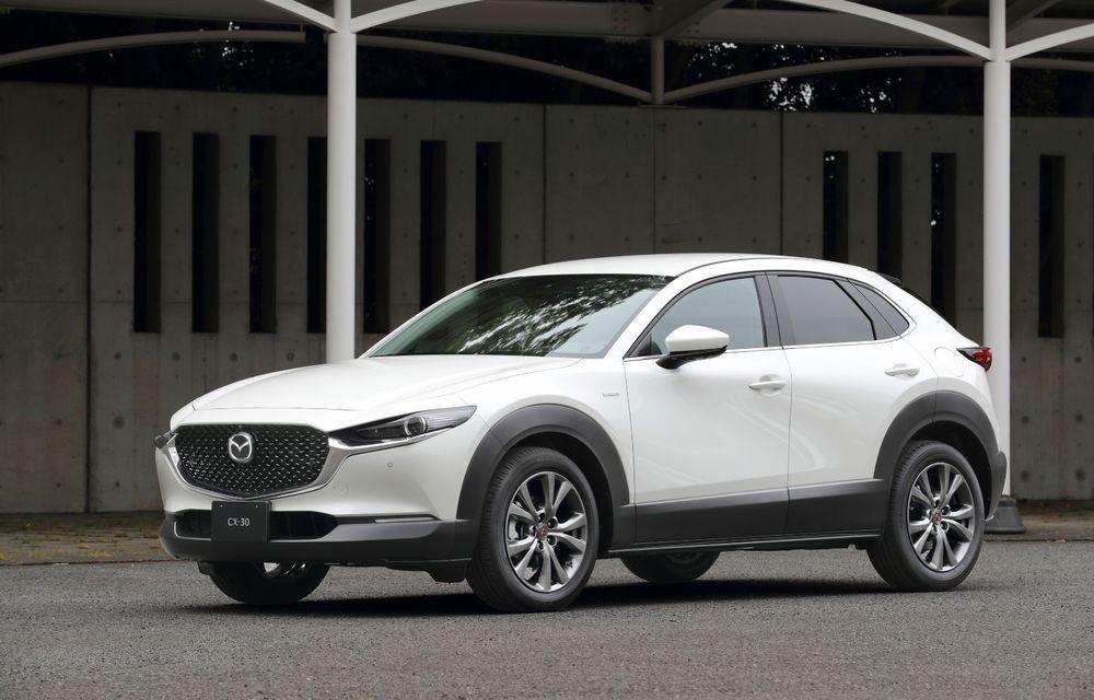 """Mașinile din """"Aventour la feminin"""": Mazda CX-30 ediție aniversară, un SUV pentru 100 de ani de precizie japoneză - Poza 2"""