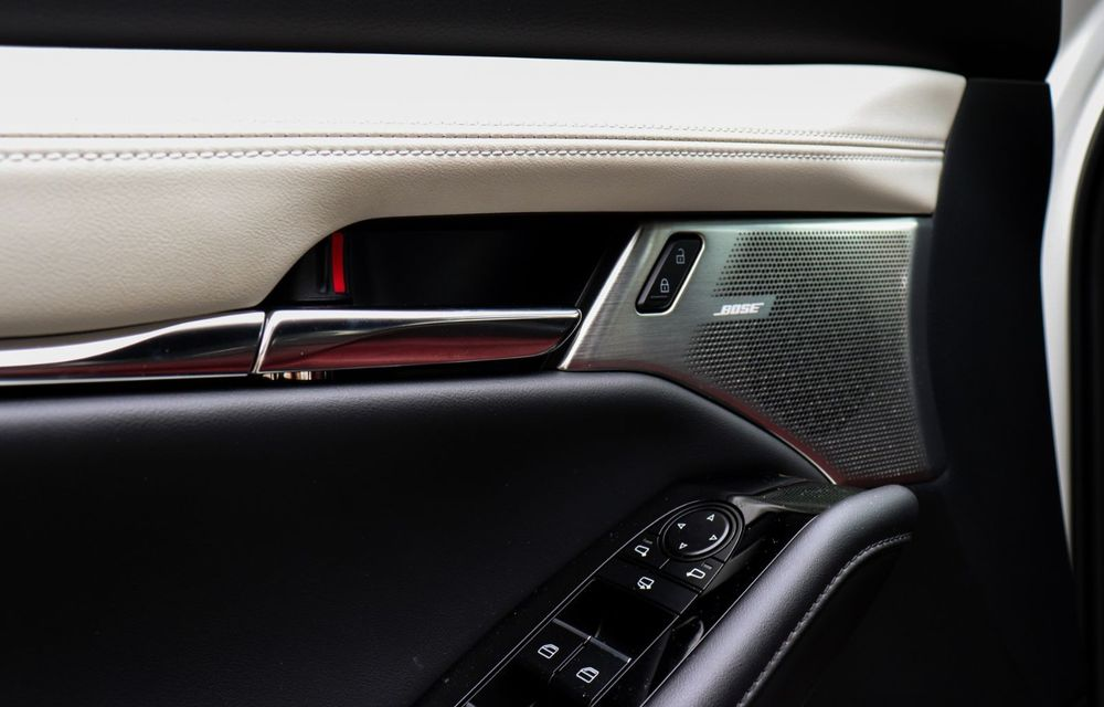 """Mașinile din """"Aventour la feminin"""": Mazda CX-30 ediție aniversară, un SUV pentru 100 de ani de precizie japoneză - Poza 17"""