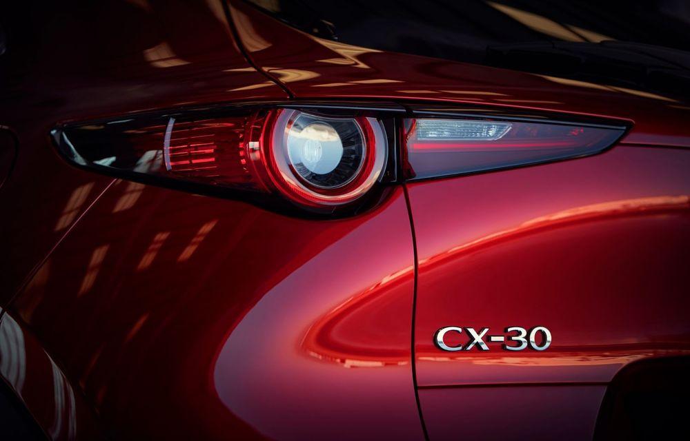 """Mașinile din """"Aventour la feminin"""": Mazda CX-30 ediție aniversară, un SUV pentru 100 de ani de precizie japoneză - Poza 12"""