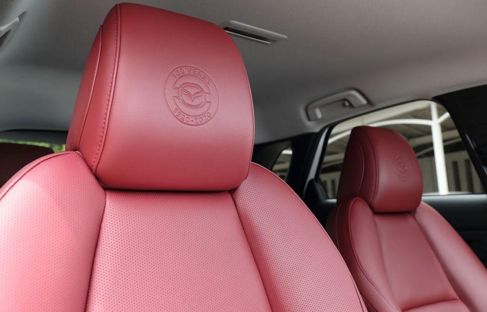 """Mașinile din """"Aventour la feminin"""": Mazda CX-30 ediție aniversară, un SUV pentru 100 de ani de precizie japoneză - Poza 15"""