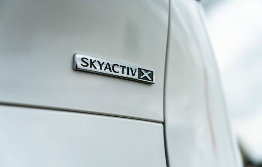 """Mașinile din """"Aventour la feminin"""": Mazda CX-30 ediție aniversară, un SUV pentru 100 de ani de precizie japoneză - Poza 8"""