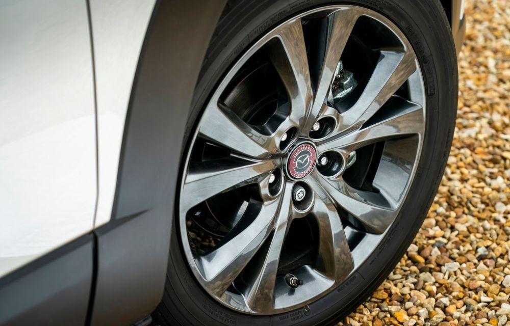 """Mașinile din """"Aventour la feminin"""": Mazda CX-30 ediție aniversară, un SUV pentru 100 de ani de precizie japoneză - Poza 10"""
