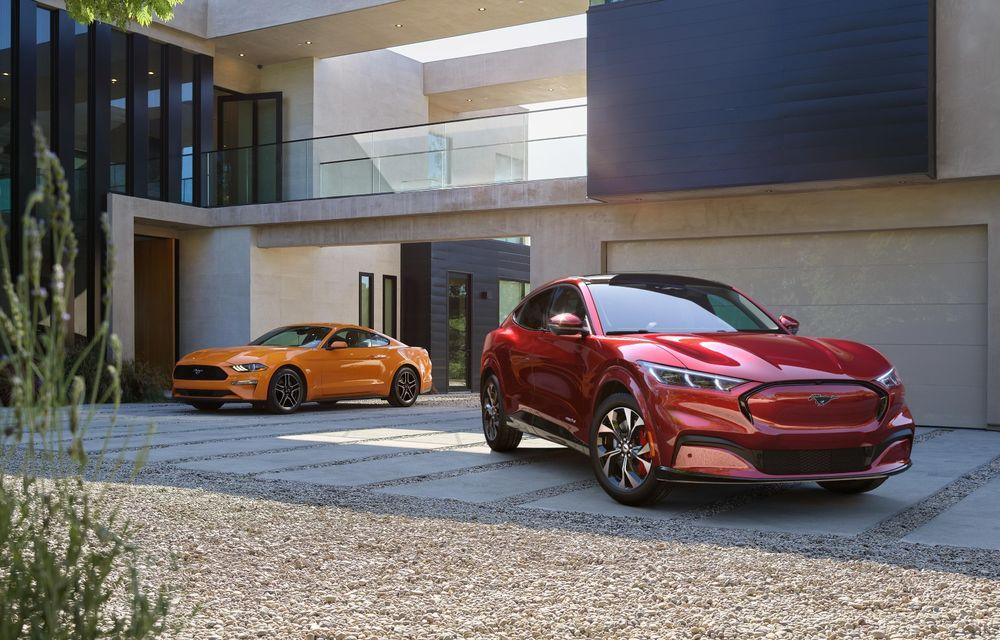 În primele 5 luni ale anului, Ford a produs mai multe exemplare Mustang Mach-E decât Mustang - Poza 1