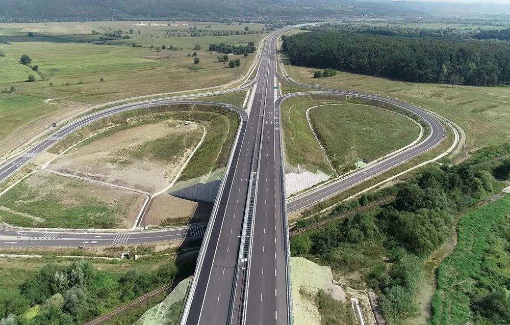"""Ministerul Transporturilor: """"Autostrada A13 Brașov – Bacău va fi lansată la licitație pentru construcție în 2023"""" - Poza 1"""