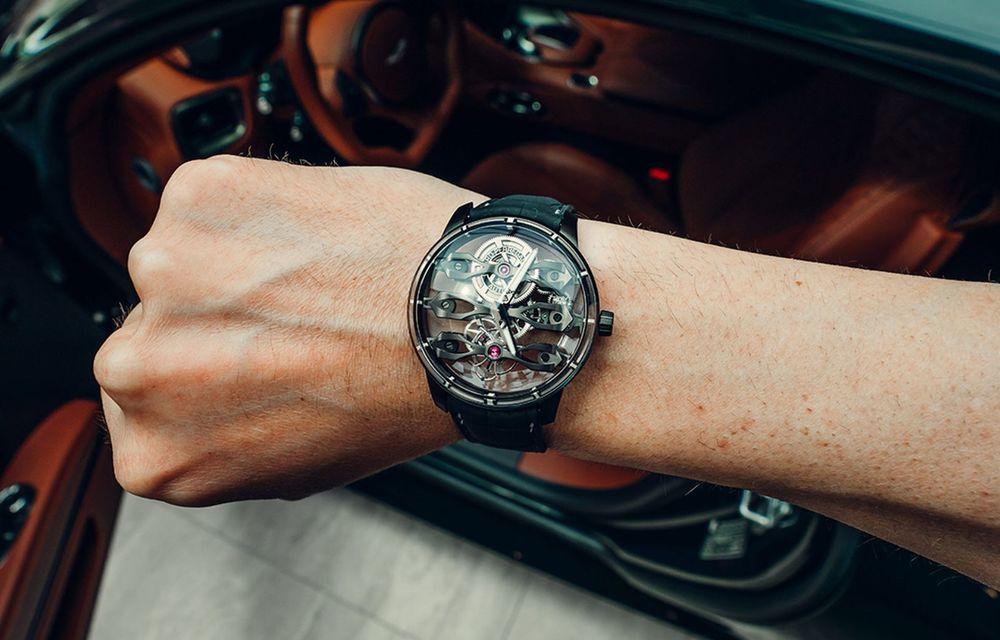 Aston Martin și orologierul Girard-Perregaux dau naștere unui ceas care costă 146.000 de dolari - Poza 3