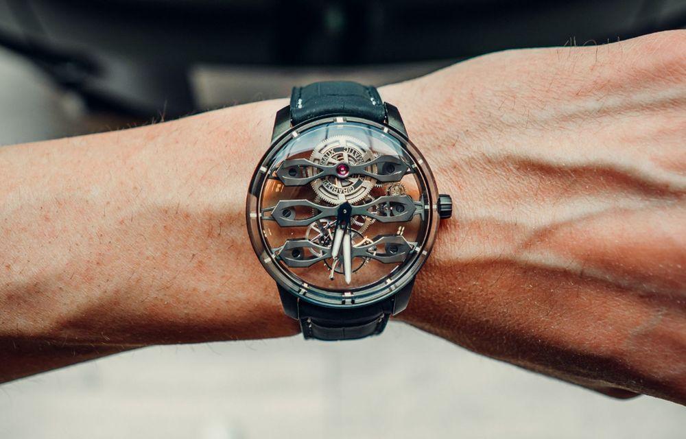 Aston Martin și orologierul Girard-Perregaux dau naștere unui ceas care costă 146.000 de dolari - Poza 4