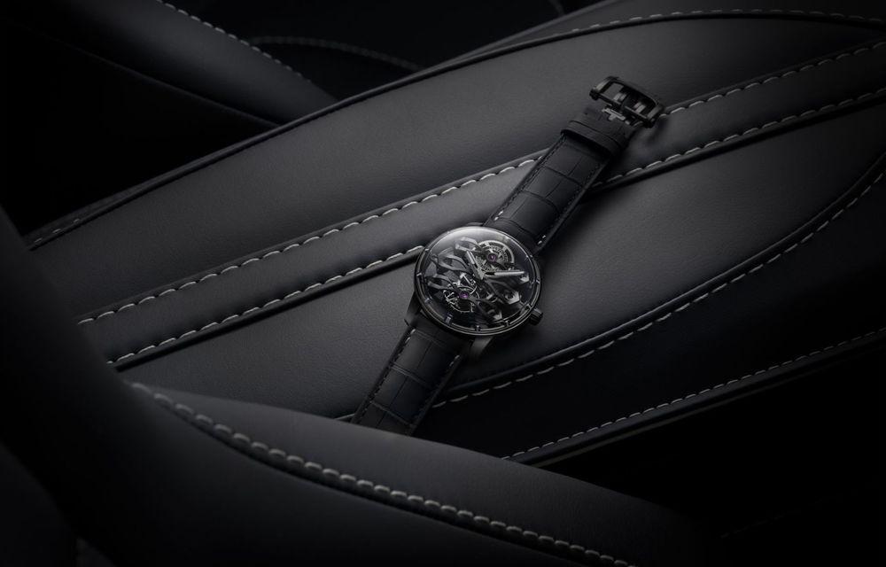 Aston Martin și orologierul Girard-Perregaux dau naștere unui ceas care costă 146.000 de dolari - Poza 7