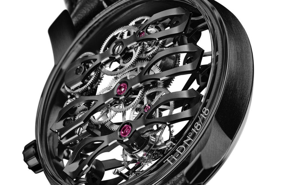Aston Martin și orologierul Girard-Perregaux dau naștere unui ceas care costă 146.000 de dolari - Poza 12