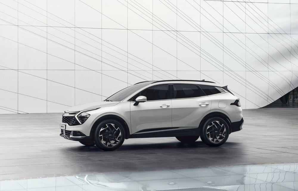 OFICIAL: Noua Kia Sportage debutează cu design exterior îndrăzneț și interior care preia tehnologia lui EV6 - Poza 2