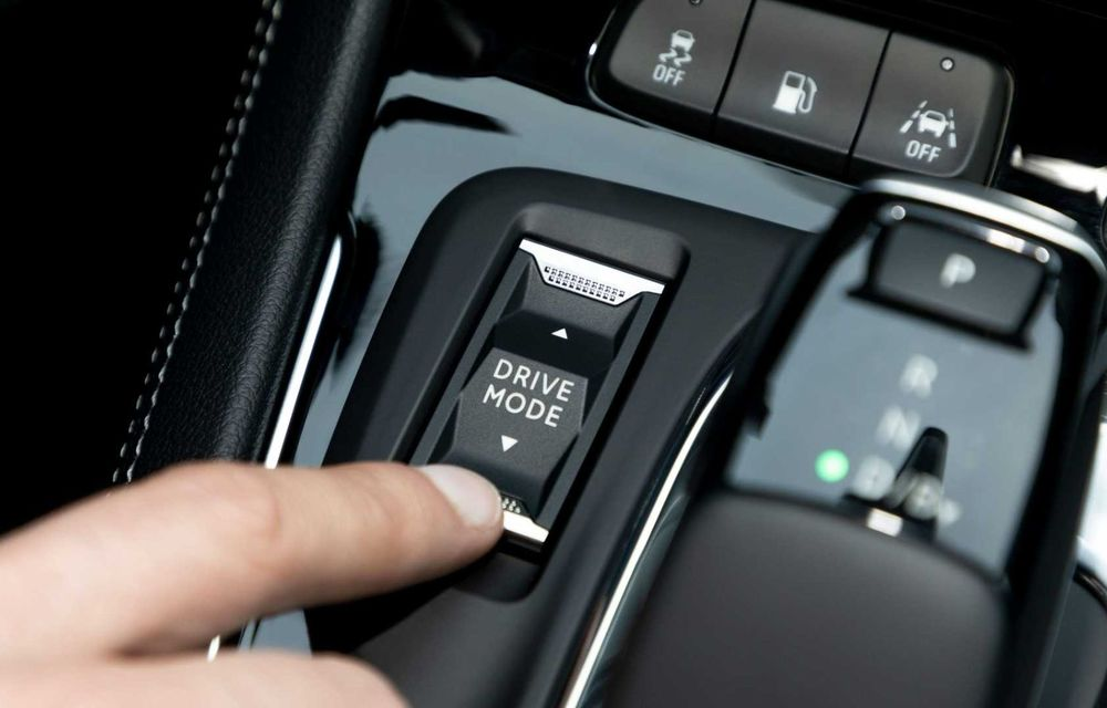 Opel Grandland facelift debutează cu un design îmbunătățit și mai multă tehnologie - Poza 9