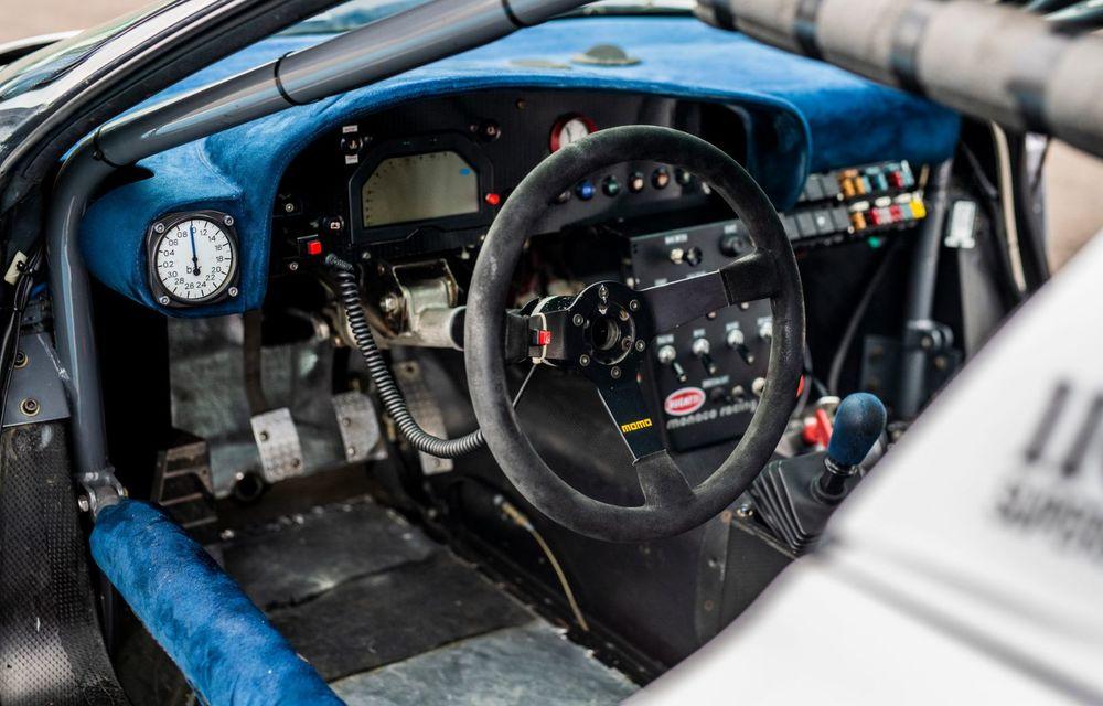 Unicul Bugatti EB 110 Sport Competizione s-a întors pe circuitul pe care a concurat ultima dată, în urmă cu 25 de ani - Poza 5