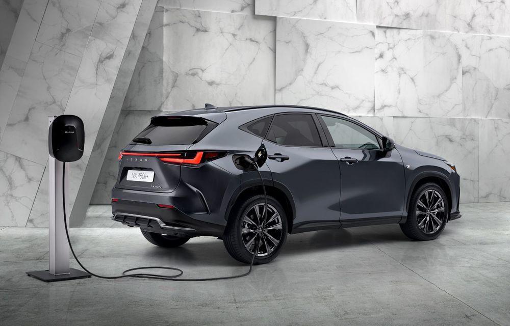Noul Lexus NX: platformă nouă și versiune plug-in hibrid, o premieră pentru marca niponă - Poza 9