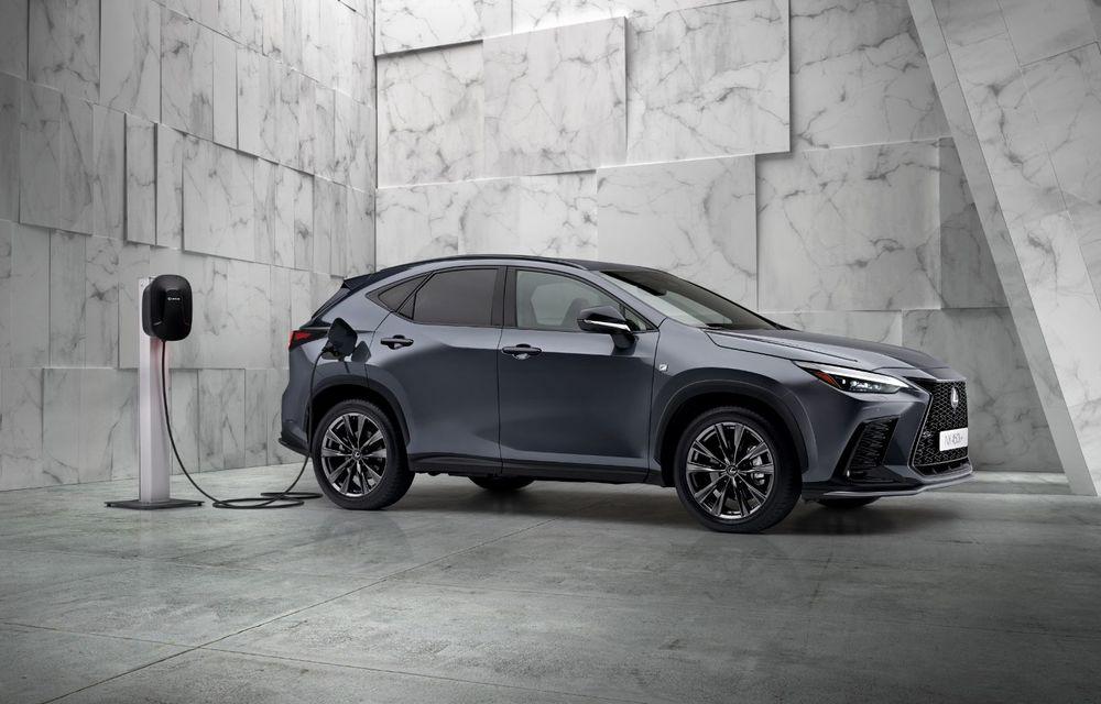 Noul Lexus NX: platformă nouă și versiune plug-in hibrid, o premieră pentru marca niponă - Poza 8