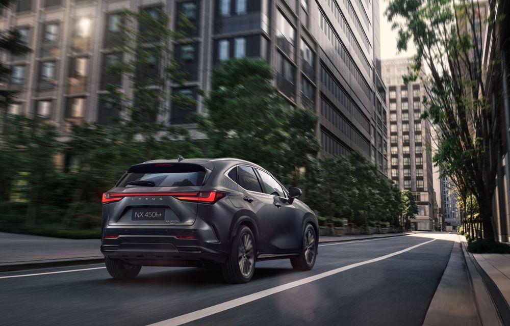 Noul Lexus NX: platformă nouă și versiune plug-in hibrid, o premieră pentru marca niponă - Poza 24
