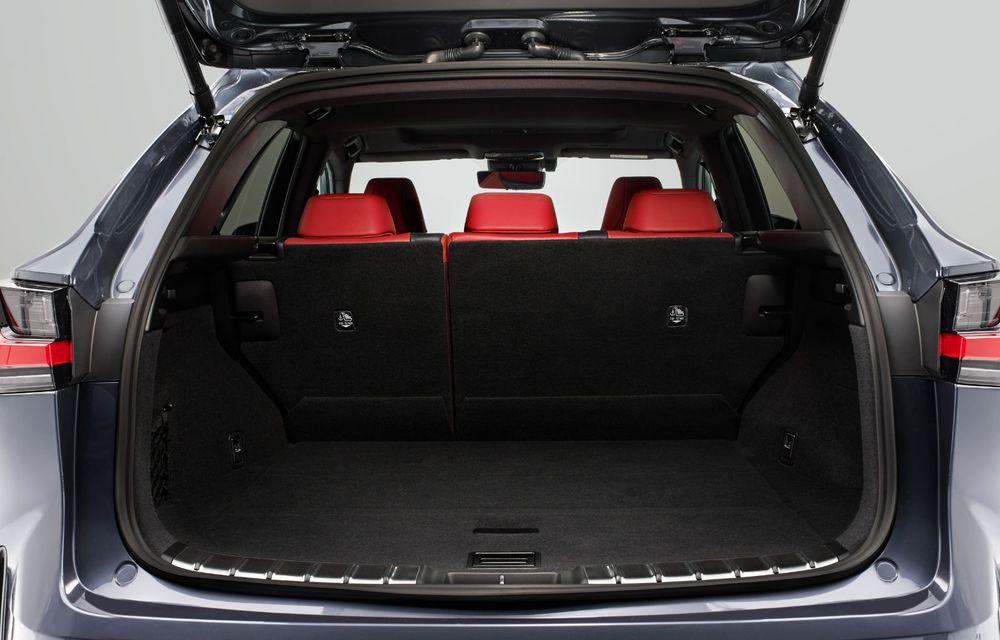 Noul Lexus NX: platformă nouă și versiune plug-in hibrid, o premieră pentru marca niponă - Poza 41