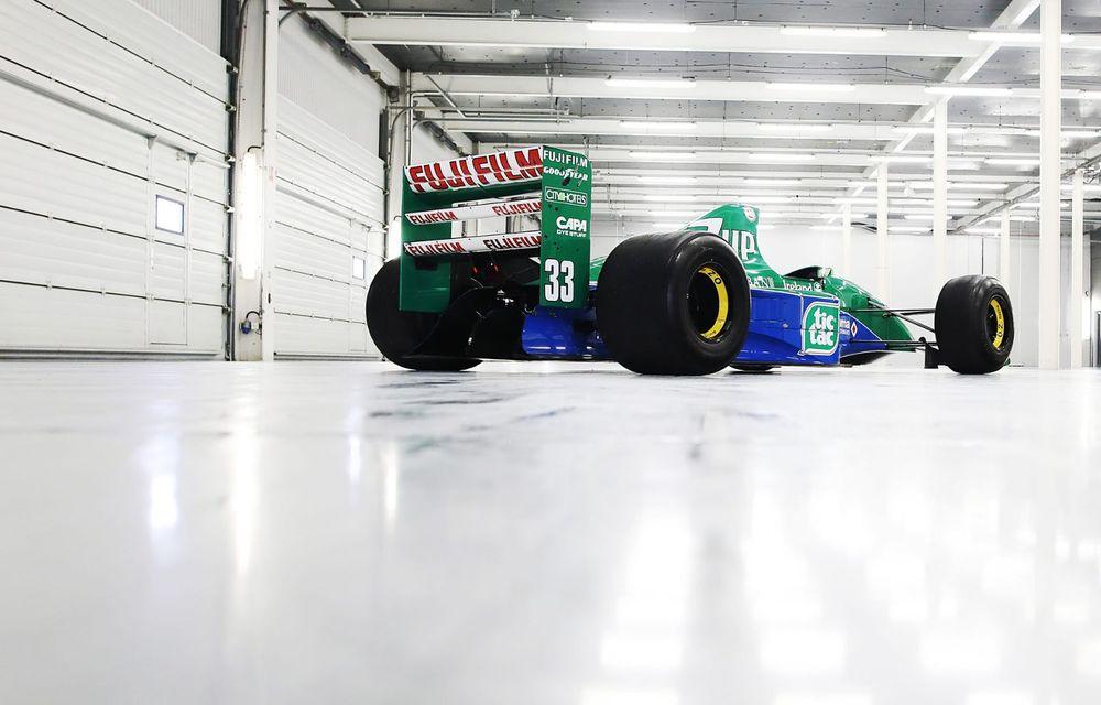 Primul monopost de Formula 1 pilotat de Michael Schumacher a fost scos la vânzare - Poza 3