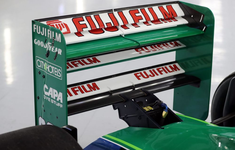 Primul monopost de Formula 1 pilotat de Michael Schumacher a fost scos la vânzare - Poza 6