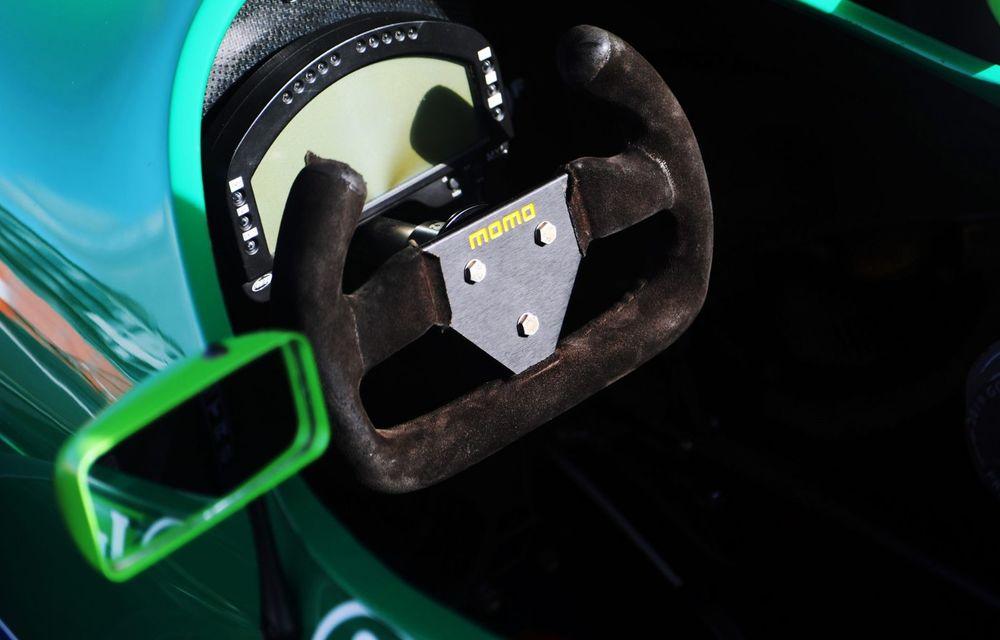 Primul monopost de Formula 1 pilotat de Michael Schumacher a fost scos la vânzare - Poza 4