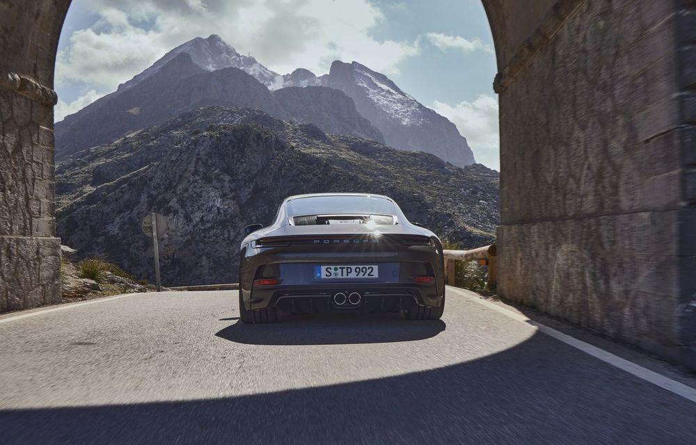 Noul Porsche 911 GT3 Touring: aceiași 510 CP, dar fără eleron supradimensionat - Poza 12