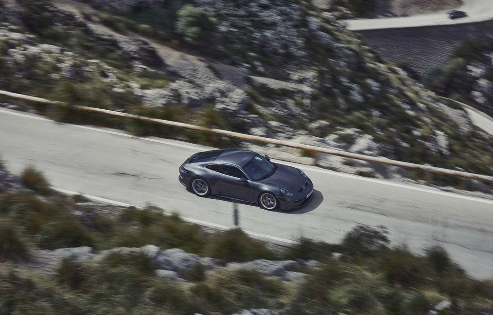 Noul Porsche 911 GT3 Touring: aceiași 510 CP, dar fără eleron supradimensionat - Poza 10