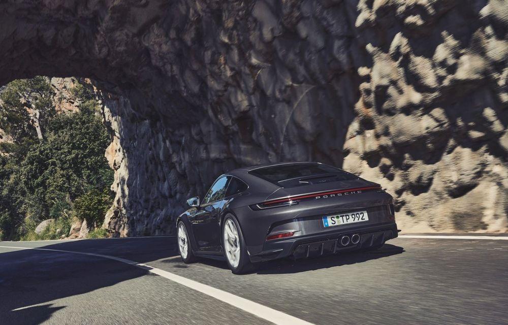 Noul Porsche 911 GT3 Touring: aceiași 510 CP, dar fără eleron supradimensionat - Poza 11