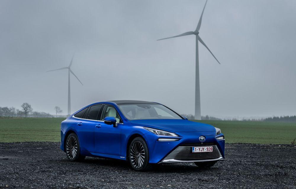 """Toyota: """"Este prea devreme să ne concentrăm doar pe mașini electrice"""" - Poza 1"""