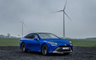 """Toyota: """"Este prea devreme să ne concentrăm doar pe mașini electrice"""""""